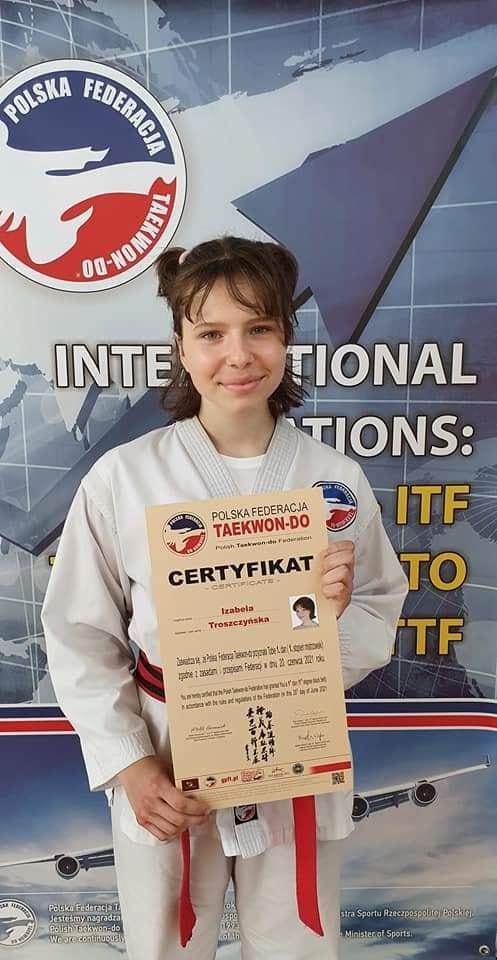 Taekwondo Toruń - Izabela Troszczyńska Toruńska oraz Chełmżyńska sekcja Taekwondo Gromowski bogatsza o czarne pasy