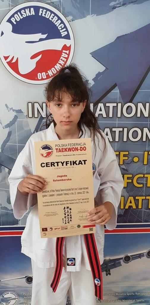 Taekwondo Toruń - Jagoda Sztemborska Toruńska oraz Chełmżyńska sekcja Taekwondo Gromowski bogatsza o czarne pasy